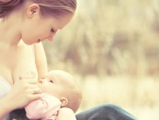 #brelfie: mama's ontbloten massaal de borsten op Twitter