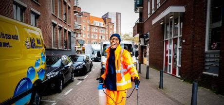 Egbert (59) heeft een baan die niemand wil, tóch zingt hij elke dag: 'Het is mijn medicijn'