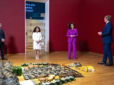 Yosina (14) uit Olst opent met koning Willem-Alexander slaverijtentoonstelling in Rijksmuseum: 'Dag om nooit te vergeten'