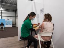Opvallend veel meldingen van bijwerkingen coronavaccins, vooral door vrouwen