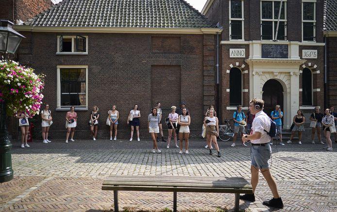 De Universiteit Leiden heeft vanwege het coronavirus een aangepast programma opgesteld voor de nieuwe studenten tijdens de introductieweek.