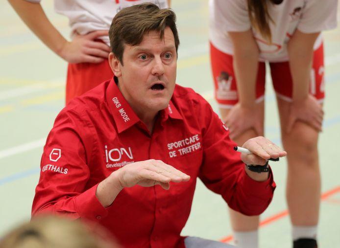 Coach Frederic Claessens geeft zijn speelsters een drietal weken rust.