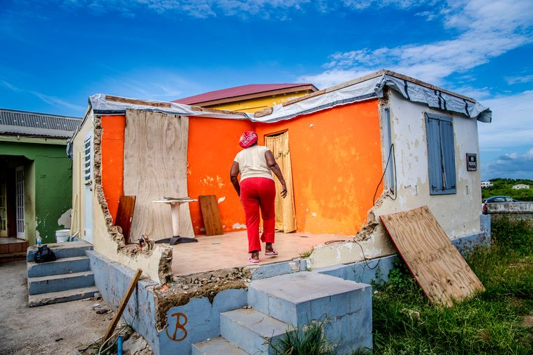 Orkaan Irma heeft duidelijke sporen achtergelaten in Dutch Quarter. Beeld niels markus