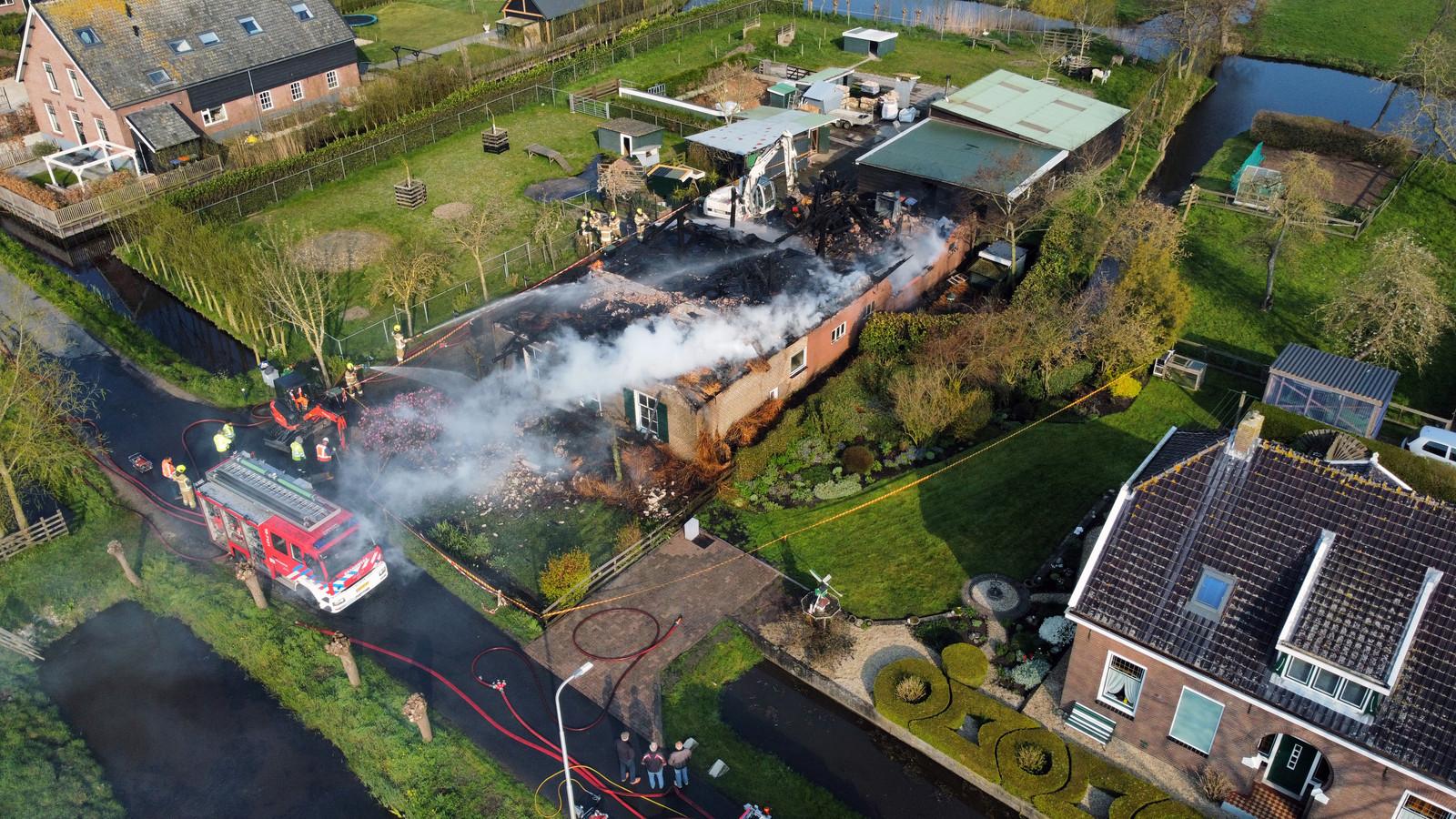 De woonboerderij ging volledig verloren bij de brand.