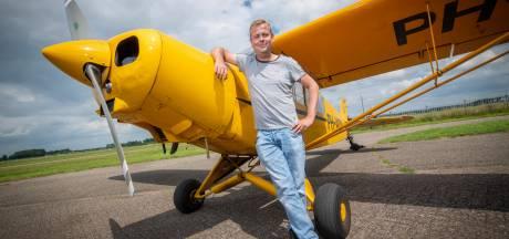 De man achter de bekende luchtreclame: 'Zitten nu op zo'n 1500 vlieguren'