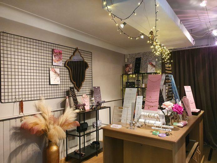 Nathalie van Boxtel zoekt een overnemer voor haar gekende juwelenwinkeltje.