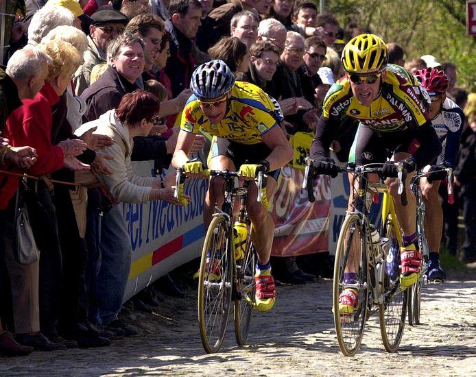 Erwin Thijs (rechts) samen met gouwgenoot  Jan Kuyckx tijdens een ontsnapping in de Ronde van Vlaanderen.