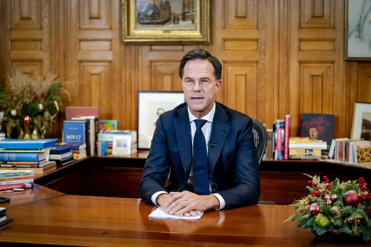 Premier Mark Rutte in het Torentje voorafgaand aan zijn speech aan het Nederlandse volk over de verscherping van de coronaregels. Beeld ANP