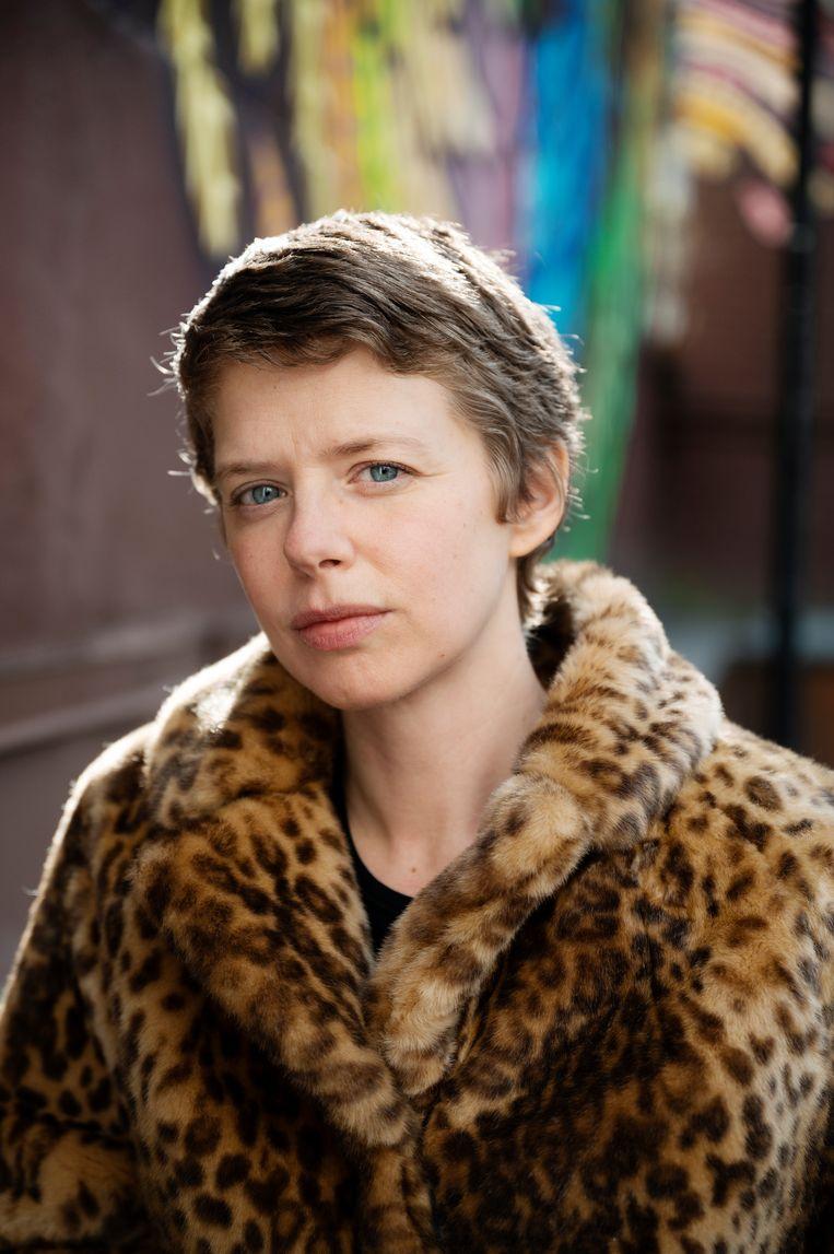 Maaike Neuville, actrice: 'Door 'Madame Bovary' te omschrijven als een feministische roman, herleid je het boek tot één concept.' Beeld Moa Karlberg