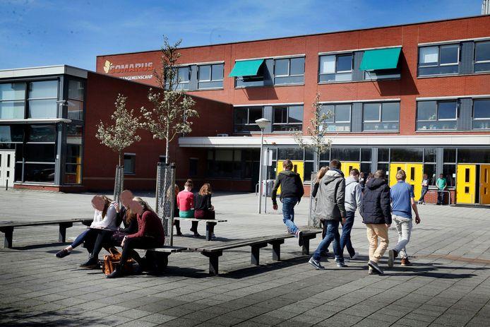 Leerlingen van de Gomarus Scholengemeenschap in Gorinchem  zouden zijn gedwongen voor hun seksuele geaardheid uit te komen.