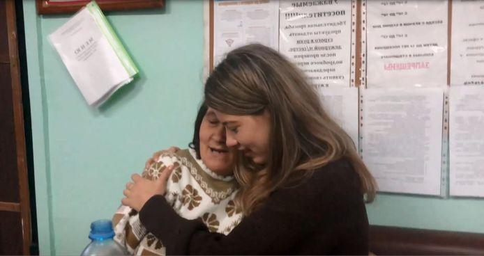 Nurija ontmoette afgelopen najaar haar biologische moeder in een kliniek in Rusland.