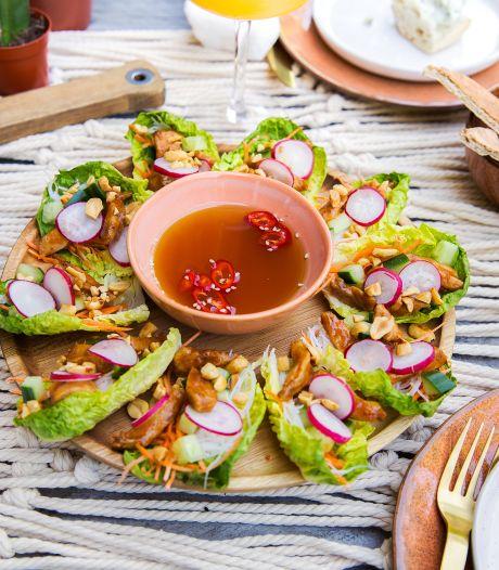 Wat Eten We Vandaag: Slawraps met hoisinkip en groenten