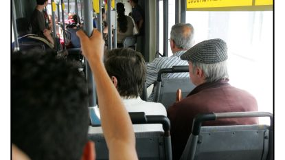 Senioren Knesselare en Ursel gratis met de bus naar woensdagmarkt in Aalter