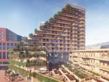 Het is helemaal van hout, terrasvormig, hoog en groen en nu te koop: een huis in wooncomplex Sawa