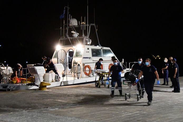 De kustwacht van Samos heeft hier maandagavond de twee lichamen uit het neergestorte vliegtuig geborgen.