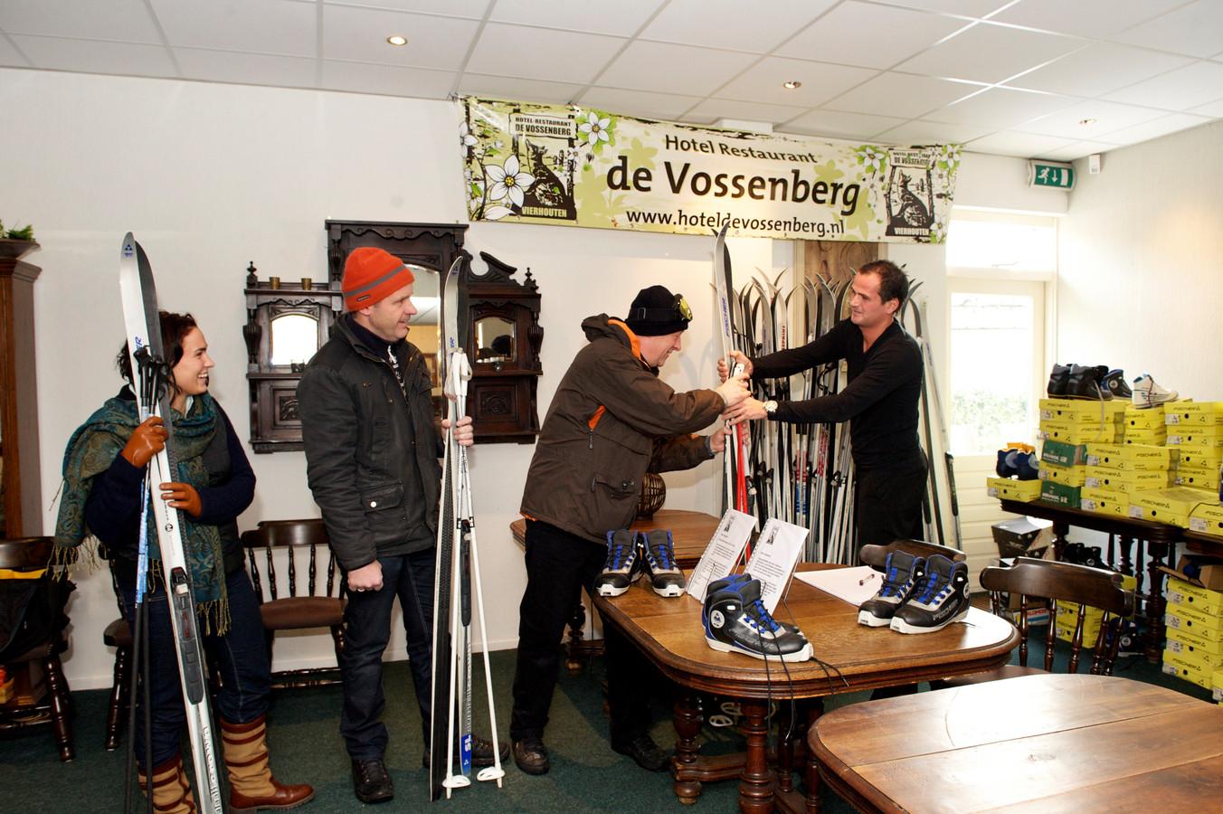 De verhuur van langlauflatten is al jarenlang een vaste prik bij een pak sneeuw in Vierhouten.