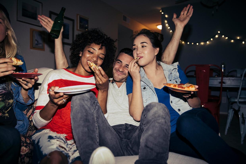 Momenteel zijn veruit de meeste mensen op Amigos op zoek naar huisfeestjes. Beeld Getty Images
