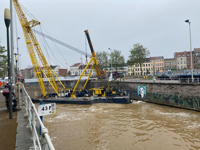Nieuwe voetgangersbruggen over Brusselse kanaal