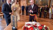 De burgemeester en zijn sjerp: in deze regio kiezen alle burgervaders voor de vertrouwde Belgische driekleur