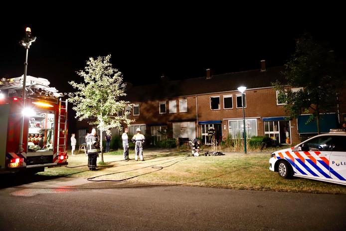 In een woning aan de Burgemeester Raijmakerslaan in Grave is brand geweest.