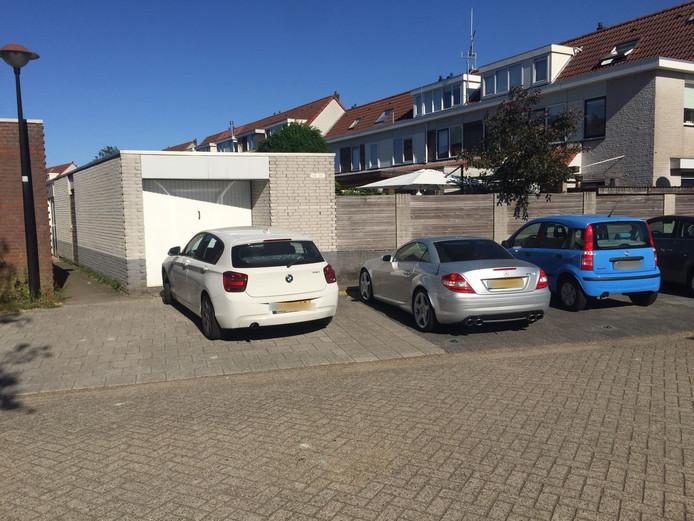 Hier parkeert Eelco Knops al jaren zijn auto. FOTO privé