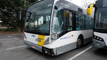 Vandalen maken ritje met lijnbus