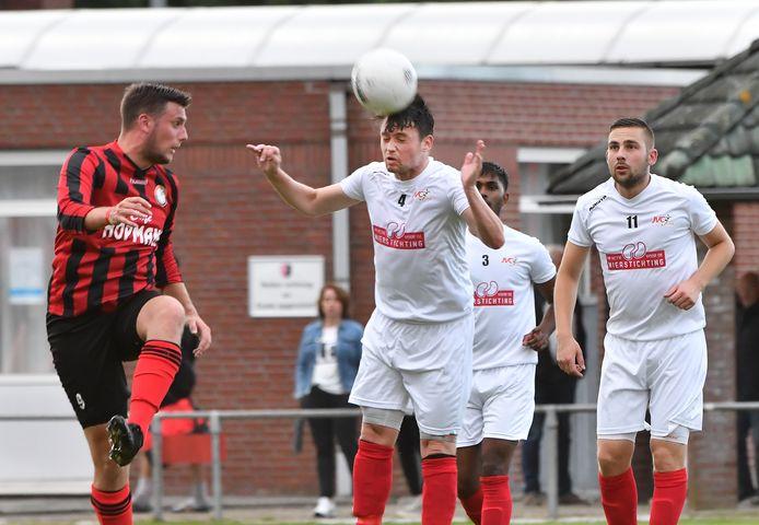 JVC  CUIJK, hier  tegen DVSG uit Groesbeek, opent met een lekker zege bij Redichem: 2-5.