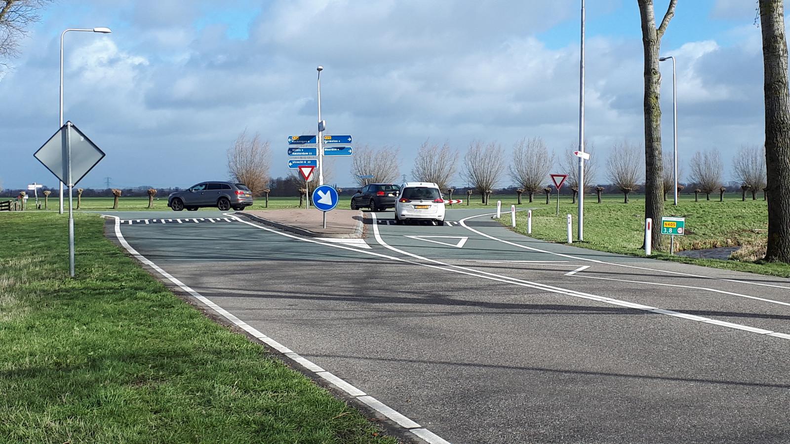 De T-kruising van de Spruitweg met de Ingenieur Enschedeweg in Kamerik wordt waarschijnlijk in 2023 vervangen voor een rotonde.