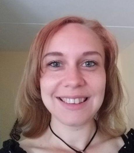 Brandweer, politie en vrijwilligers zoeken in duinen naar vermiste Anja Schaap