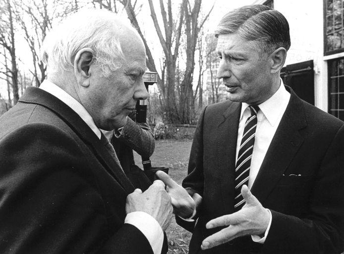 Dries van Agt (rechts) en Joop den Uyl, respectievelijk premier en vicepremier tijdens de troonrede van 1981.