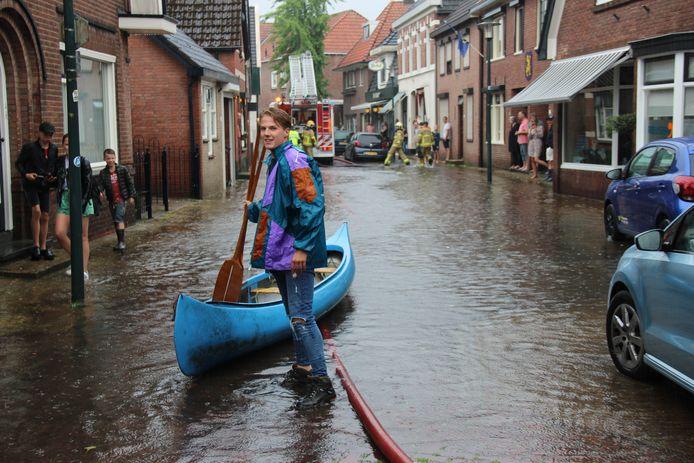 Waterpret in Groenlo met de kano.