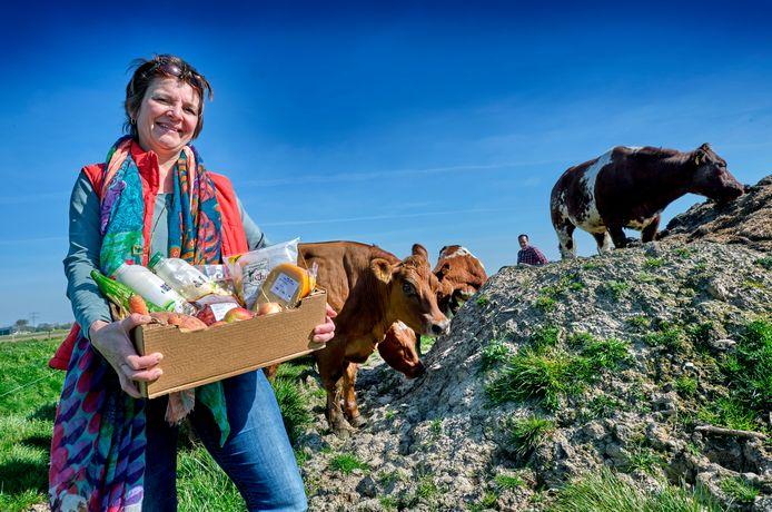 Esther Quartel verzorgt samen met twee andere boerinnen de boerderijbox met verse producten.