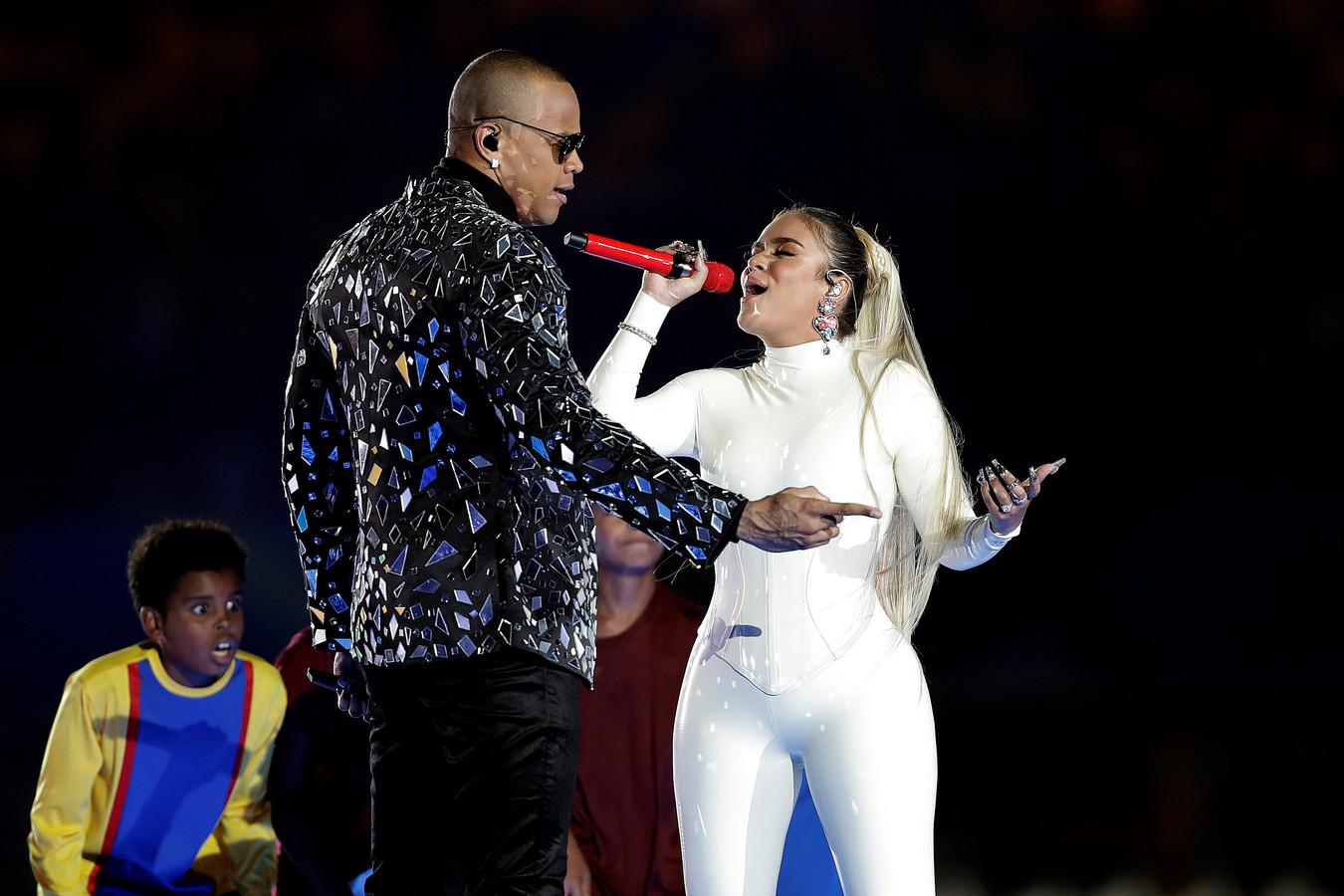 De Braziliaanse zanger Leo Santana en de Colombiaanse zangeres Karol G vertolkten tijdens de openingsceremonie de hymne van het toernooi.