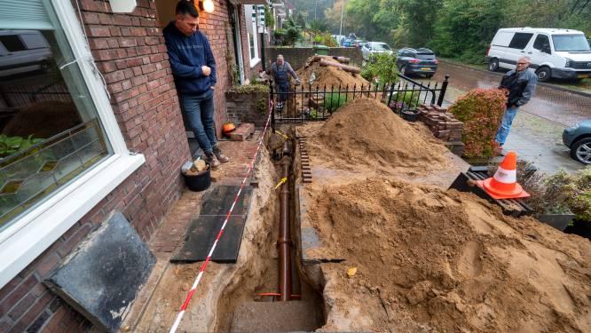 Wc verstopt, rioolwater in de kelder, tuin overhoop: flinke schade na aanleg glasvezel op de Paasberg
