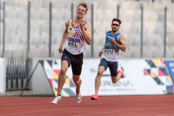 Alexander Doom bevestigde in Roemenië zijn uitstekende vorm met 46.08 op de individuele 400m en een indrukwekkende aflossing.