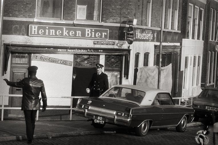 Yilmaz schoot zes mensen dood in het Delftse café 't Koetsiertje.  Beeld Rob Bogaerts / Anefo