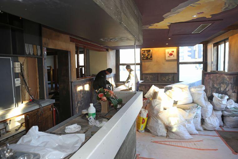 Het leegstaande café De Wijndruif wordt momenteel grondig gerenoveerd en heringericht tot restaurant.