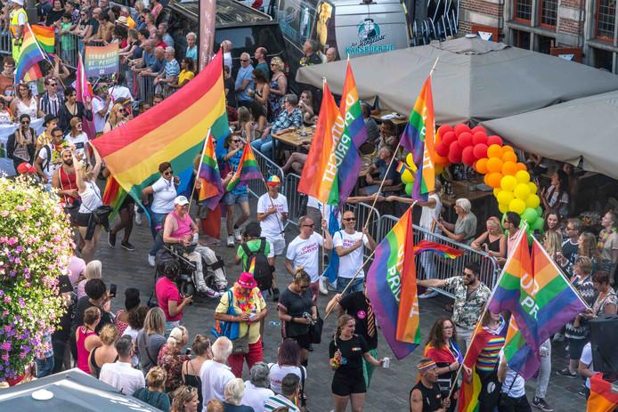 In het laatste weekend van augustus vond de eerste editie van de Zwolle Pride plaats. Maandag 2 december ondertekenen zes gemeenten een verklaring om regionaal met het thema LHBTI en inclusie aan de slag te gaan.