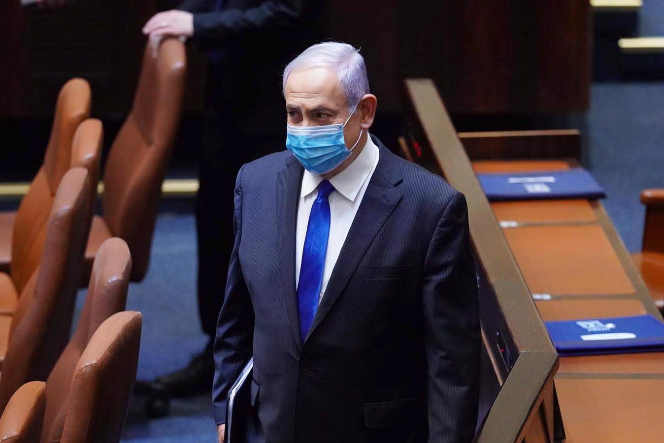 Netanyahu met mondmasker in de Knesset, het Israëlisch parlement.