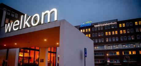 Beatrixziekenhuis ligt nog steeds vol met coronapatiënten: 'Grote zorgen om personeel'