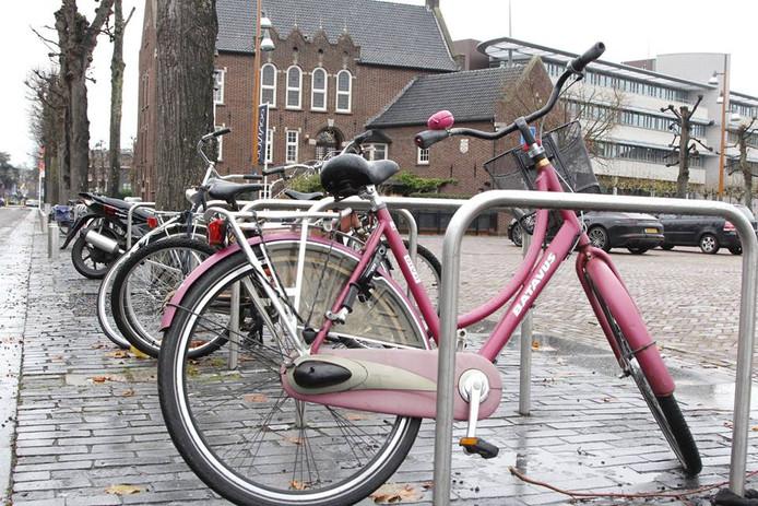 Op en om Markt in Uden worden veel fietsen gestolen.