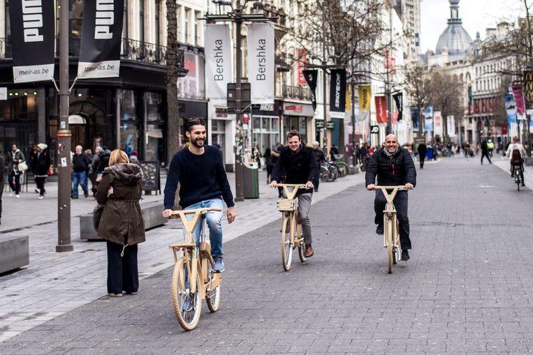 Testritje in de Antwerpse binnenstad.  Beeld Tine Schoemaker
