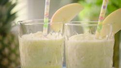 Een gezonde ananas-selder smoothie om de dag te starten