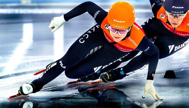 Xandra Velzeboer in actie tijdens de NK afstanden in januari. Beeld Klaas Jan van der Weij