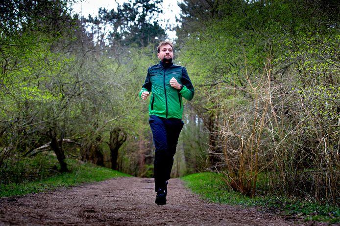 Tim Knol ging niet meteen  hardlopen; wandelen was de basis. 'Dat is heel goed voor me geweest.'