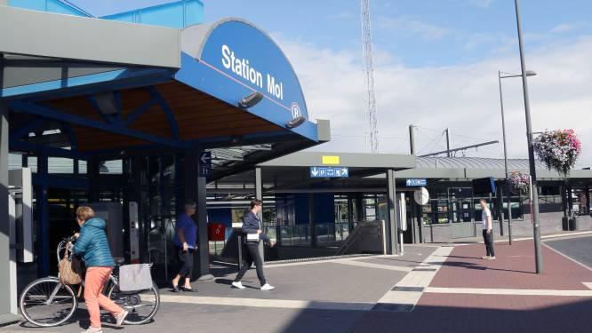 Hinder door werken aan spoor tussen station en Rozenberg