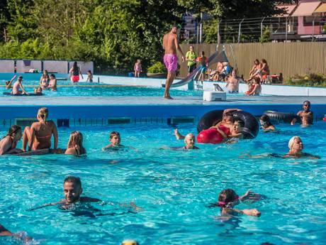 Hopen op nieuw zwembad