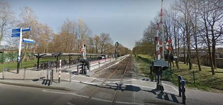 Zwartrijder bedreigt conductrice met denkbeeldig wapen in Glanerbrug, rechter legt 40 uur werkstraf op