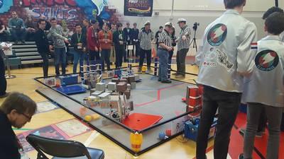 Newman presteert tijdens robotwedstrijd in Italië