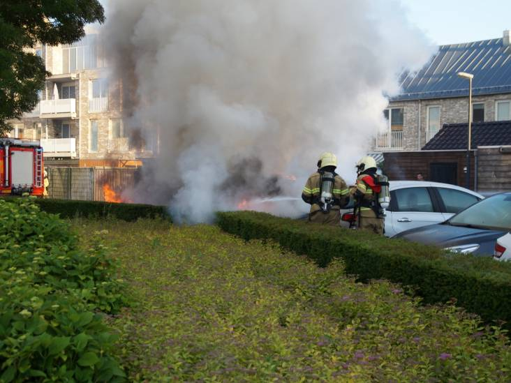 Drie auto's branden volledig uit in Drunen